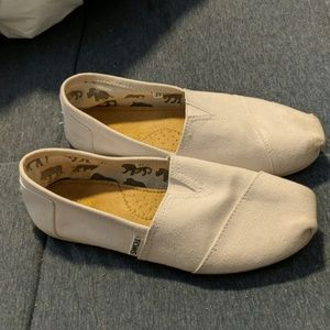 White Toms